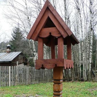 Кормушки для птиц – зимой, отсутствие насекомых - летом